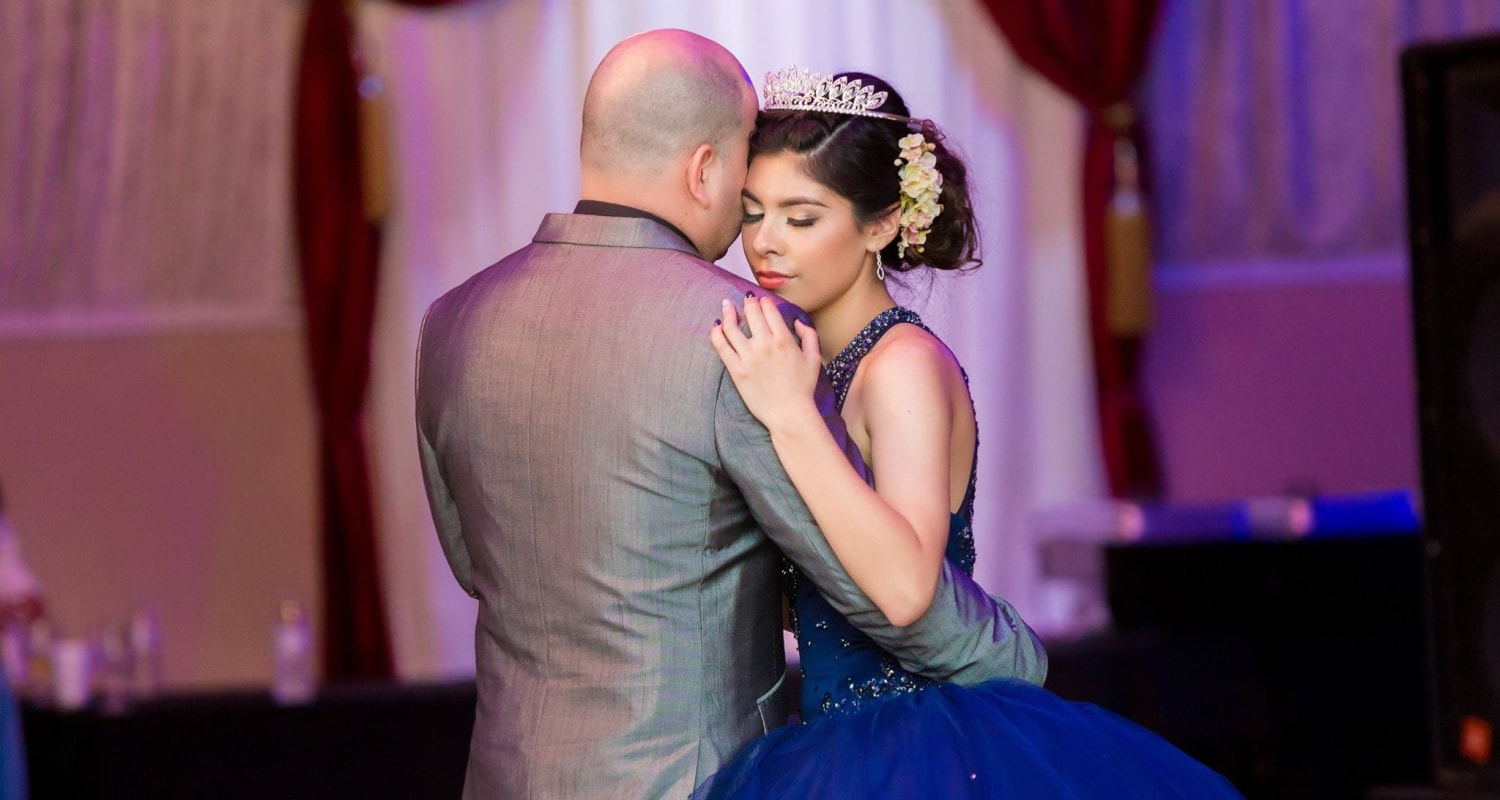 quinceanera_waltz_with_dad-min