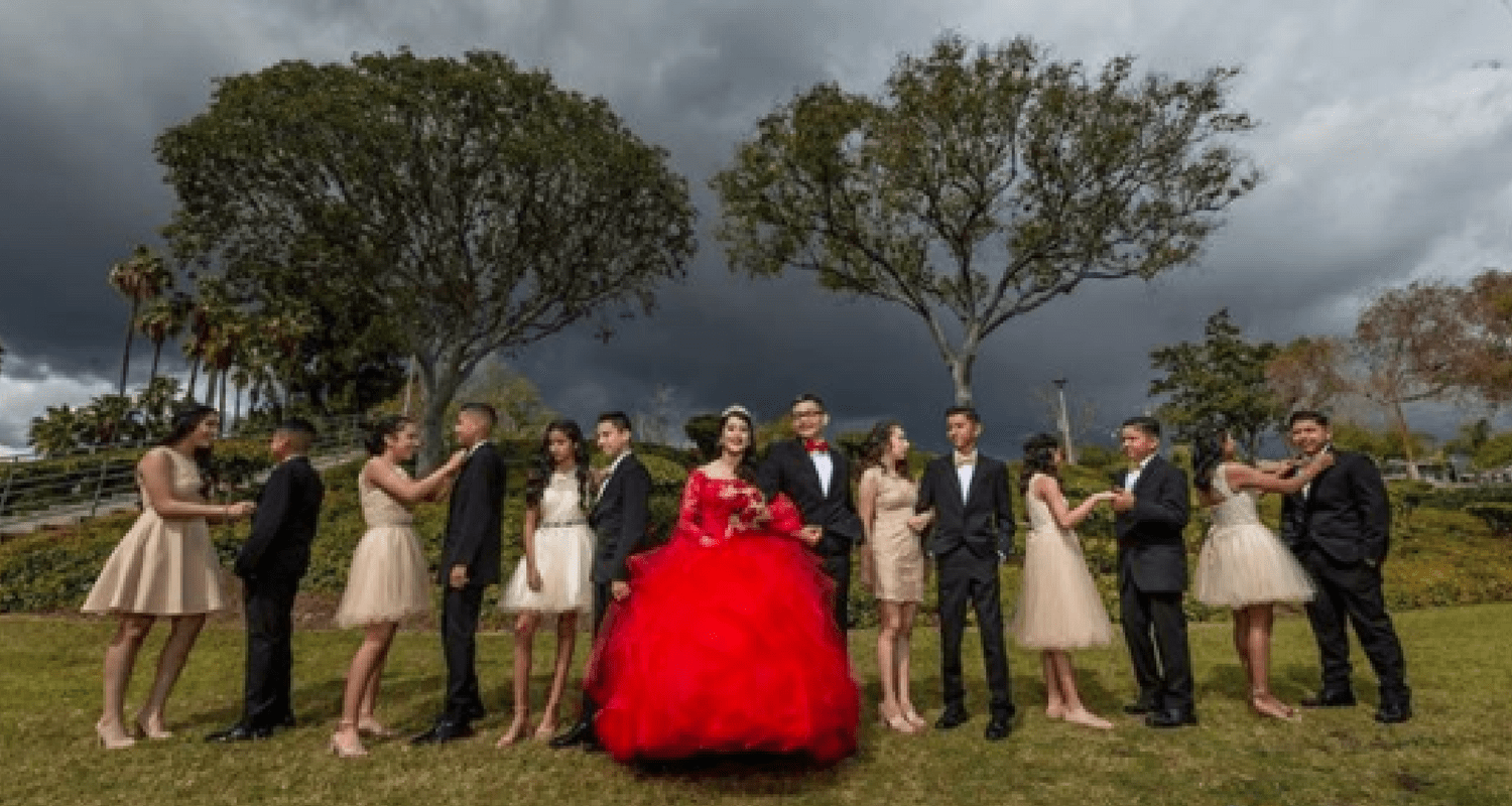 What S A Quinceanera Court Of Honor