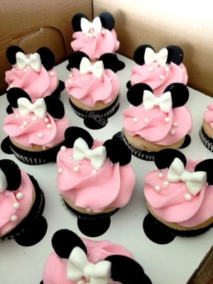 Minnie Mouse Cake #8